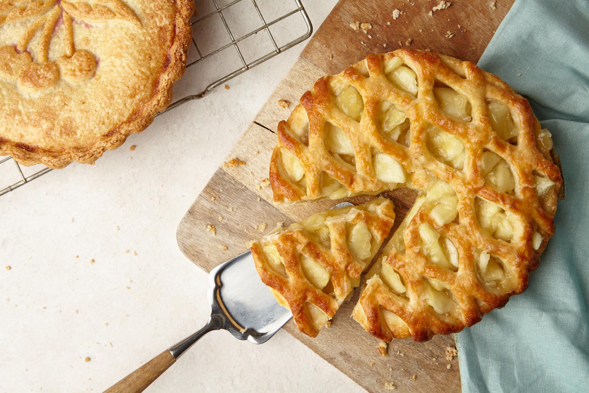 Park Cakes Bakery: Sponge Puddings, Pies, Tarts, Crumbles & Cream Cakes